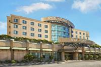 Four Points by Sheraton Vancouver Airport Image