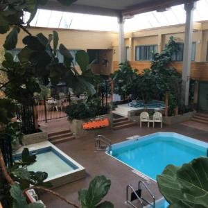 Sun Gro Centre Hotels - Travelodge By Wyndham Winnipeg East