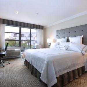 Waterfront Theatre Hotels - Granville Island Hotel