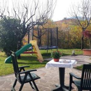 Book Now Casa Raffaella (Arizzano, Italy). Rooms Available for all budgets. Located 29 km from Lugano Casa Raffaella offers accommodation in Arizzano. Casa Raffaella boasts views of the lake and is 42 km from Como. Free private parking is available on