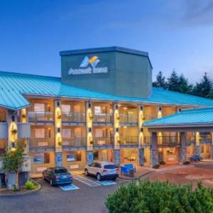 Hotels near Kelowna Apple Bowl - Accent Inn Kelowna