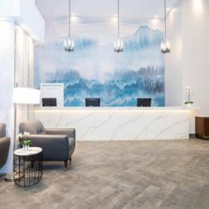 Scotiabank Saddledome Hotels - Sandman Signature Calgary Downtown Hotel