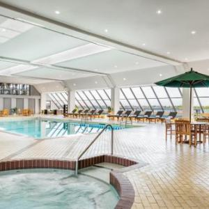 Woodbine Park Toronto Hotels - The Westin Harbour Castle Toronto