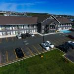 Crossroads Inn & Suites