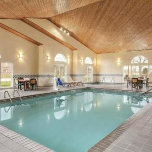 Country Inn & Suites by Radisson Ames IA