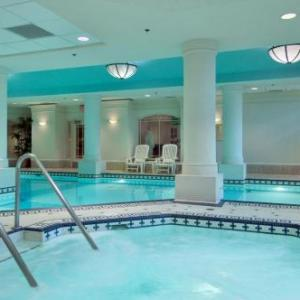 Hotels near Calgary TELUS Convention Centre - Fairmont Palliser