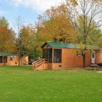 Plymouth Rock Camping Resort Deluxe Cabin 13