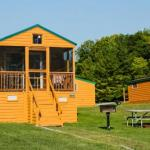 Plymouth Rock Camping Resort Deluxe Cabin 19