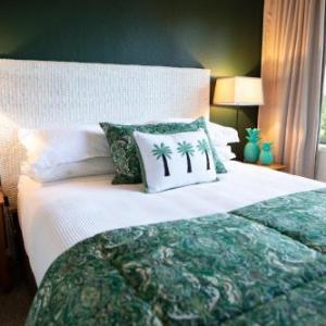 Bruce Mason Centre Hotels - Emerald Inn on Takapuna Beach