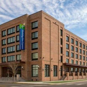 Hotels near Blue Wahoos Stadium - Holiday Inn Express Pensacola Downtown