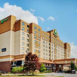 Hotels near Canadian Tire Centre - Holiday Inn & Suites Ottawa West - Kanata