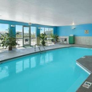 Hotels near Heartland Park Topeka - Super 8 by Wyndham Topeka at Forbes Landing