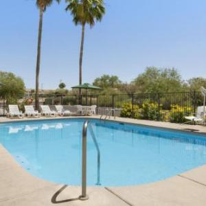 Country Inn & Suites by Radisson Tucson Airport AZ