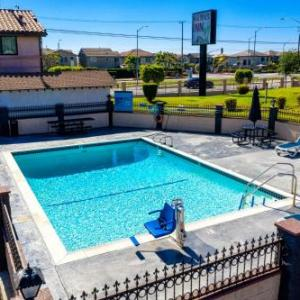 Hotels near The City of Refuge - Sea Rock Inn-Los Angeles