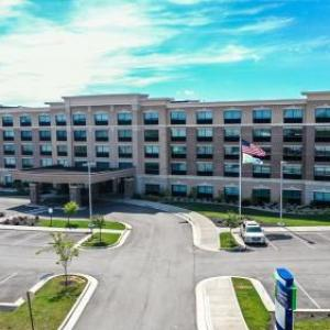 Holiday Inn Express & Suites - Elizabethtown North