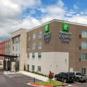 Holiday Inn Express & Suites Tulsa South - Woodland Hills