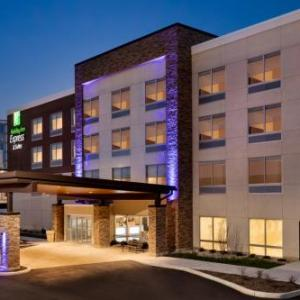 Holiday Inn Express & Suites -Cincinnati NE -Red Bank Road