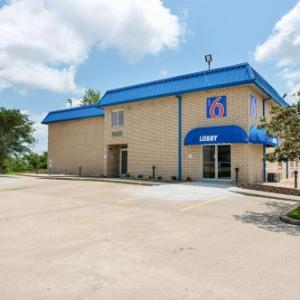 Cypress Bayou Casino Hotels - Motel 6 New Iberia