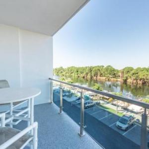 Cocoa Armory Hotels - Cape Crossing Resort & Marina
