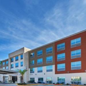 Holiday Inn Express & Suites - Brenham South