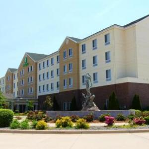Effingham Performance Center Hotels - Holiday Inn Effingham