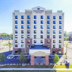 Xfinity Theatre Hotels - Candlewood Suites - Hartford Downtown