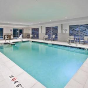 Holiday Inn Express & Suites - Okemos - University Area