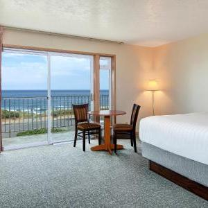 Newport Hotels - Deals at the #1 Hotel in Newport, OR