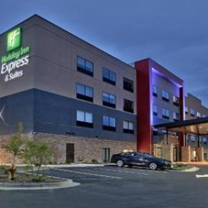 Flatiron Crossing Hotels - Holiday Inn Express & Suites Broomfield