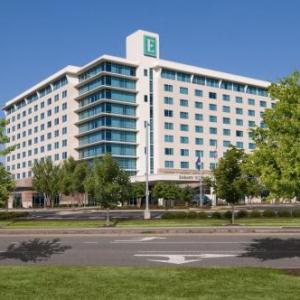 Hampton University Hotels - Embassy Suites Hotel At Hampton Roads Convention Center Va