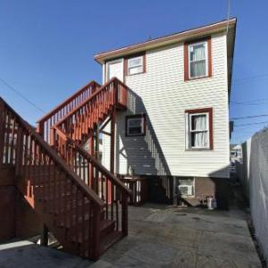 Book Now Shore Beach Houses - 43 - 30 Franklin Ave (Seaside Heights, United States). Rooms Available for all budgets. Shore Beach Houses - 43 - 30 Franklin Ave is located in the centre of Seaside Heights just 800 metres from Casino Pier and a 5-minute walk from Seaside Heights Boardwalk. Offe