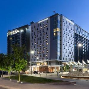 Hotels near Rouge Calgary - Hilton Garden Inn Calgary Downtown