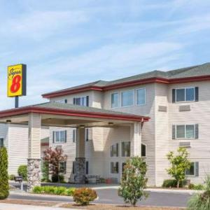 Lithia Motors Amphitheatre Hotels - Super 8 Central Pt  Medford