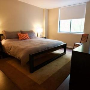 Book Now 2 Bedroom By Ballston Metro (Arlington, United States). Rooms Available for all budgets. Situated in Arlington 2 Bedroom By Ballston Metro provides accommodation with free WiFi and TV. Private parking is available on site.Each unit is equipped with air-conditioned