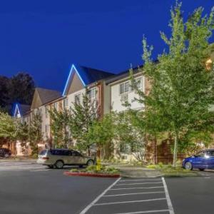 Hotels near Rolling Hills Community Church - Comfort Inn & Suites Tualatin - Portland South