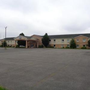 Duquoin State Fair Hotels - Fairgrounds Inn