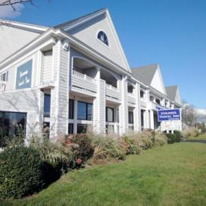 Martha's Vineyard Performing Arts Center Hotels - Hyannis Travel Inn