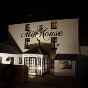Hotels near Elgin Academy - The Mill House Hotel