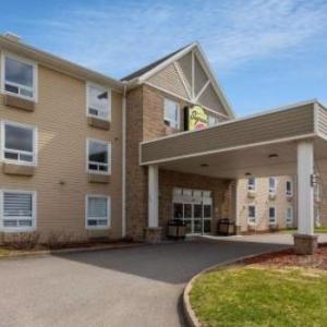 Hotels near Colisée Videotron Trois-Rivières - Super 8 by Wyndham Trois-Rivieres