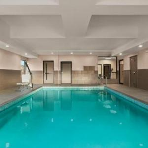 Country Inn & Suites by Radisson Belleville ON
