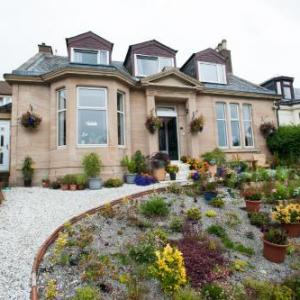 Hotels near Dean Castle Country Park - Dean Park Guest House