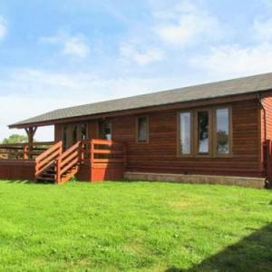 Hotels near Merlin Theatre Frome - Lake View Lodge Shepton Mallet