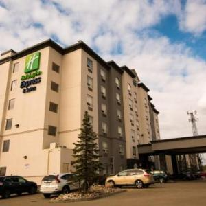 Hotels near Northgate Lions Seniors Recreation Centre - Holiday Inn Express Hotel & Suites Edmonton North