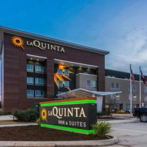 La Quinta Inn and Suites by Wyndham Houston Spring South