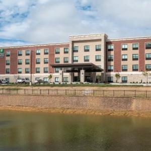 Holiday Inn Express & Suites - Wentzville St Louis West
