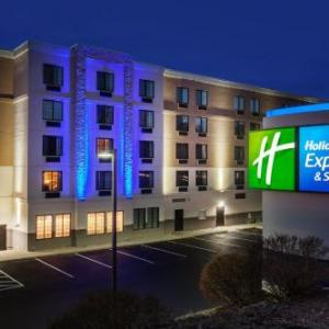 Stadium Theatre Performing Arts Centre Hotels - Holiday Inn Express Hotel & Suites Providence-woonsocket