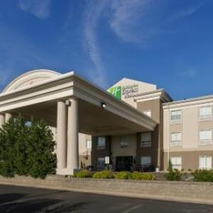 Holiday Inn Express Hotel And Suites Lawrence