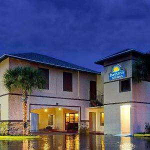 Hotels near Kissimmee Sports Arena - Days Inn By Wyndham Kissimmee West
