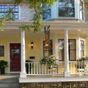 Almondy Inn Bed & Breakfast