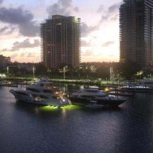 Book Now Amazing Penthouse water view with 2 suites (Aventura, United States). Rooms Available for all budgets. Located in Aventura just a 16-minute walk from Aventura mall Amazing Penthouse water view with 2 suites features accommodation with free WiFi. Housed in a building dating from